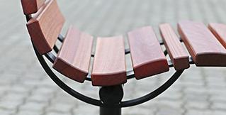 Comodo bænke og cafesæt. Lækkert design og siddecomfort udedørs og uderumsmøbler BY BANG komfort bænk, comodo bænk, design bænk, udemøbler, by bang