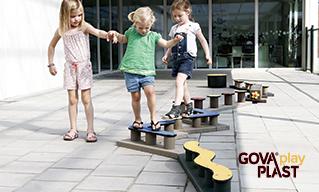 Balance GOVA play PLAST. Vedligeholdesfrit genbrugsplast. Legeplads, skolegård, børnehave, vuggesture, park plads forhandler BY BANG