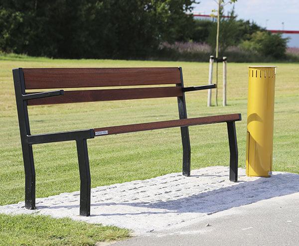 Simpel bænk til park og byrum