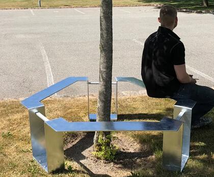 Træværn med sæde