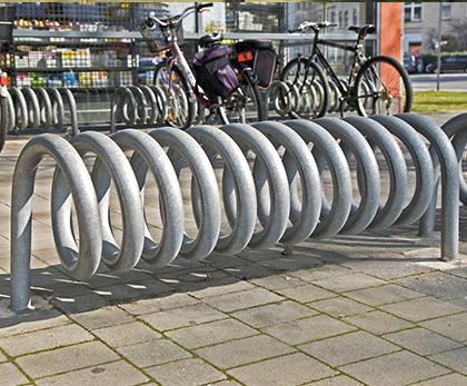 spiral cykelstativ i galvaniseret stål