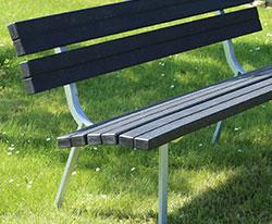 Arco Rici bænk, Aarhus bænk, recycling plast. BY BANG klassisk design, dansk håndværk, kvalitet. Bænke til park og byrum