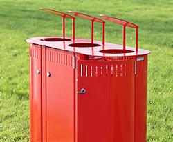 Affaldssortering galvaniseret 3 i en udendørs affaldsbeholder til uderum park pladser og gågade BY BANG