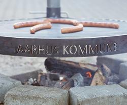 Århus kommune bålgrill for byens borgere. Nemt og hyggeligt samvær.