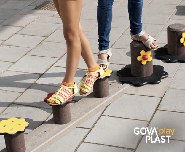 Balance hårdt underlag GP100 GOVA play PLAST. Vedligeholdesfrit genbrugsplast. Legeplads, skolegård, børnehave, vuggesture, park plads forhandler BY BANG