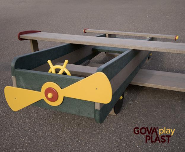 Legeflyver GOVA play PLAST. Vedligeholdesfrit genbrugsplast. Legeplads, skolegård, børnehave, vuggesture, park plads forhandler BY BANG