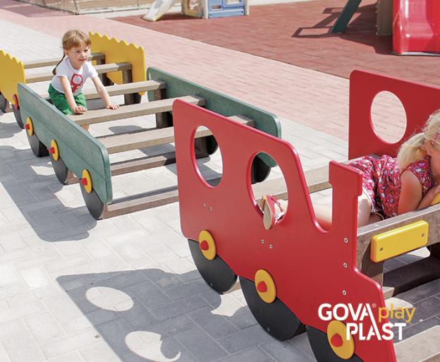 GOVA play PLAST. Vedligeholdesfrit genbrugsplast. Legeplads, skolegård, børnehave, vuggesture, park plads forhandler BY BANG tog, legeplads, legetog
